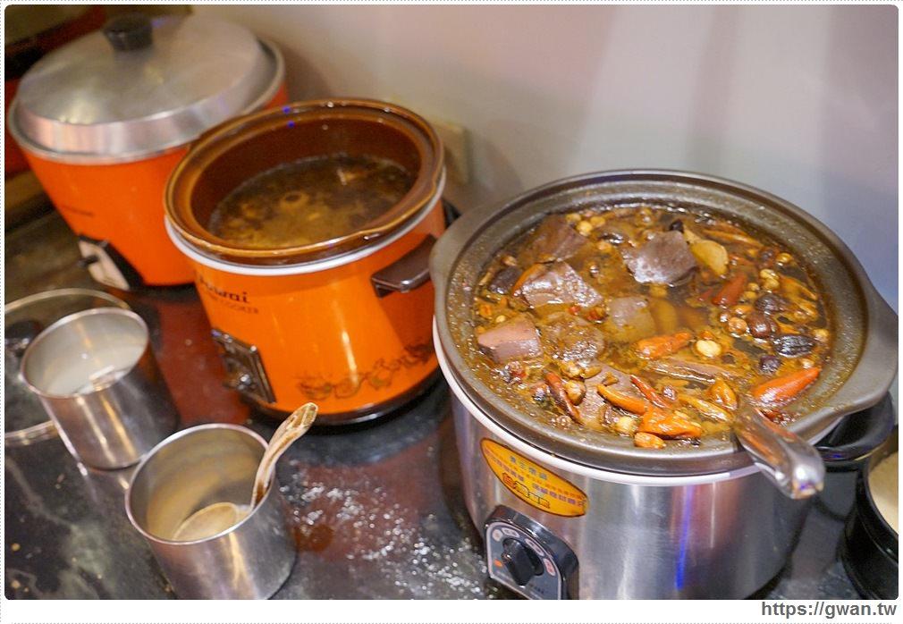 20180602150659 11 - 熱血採訪 | 東區吃到飽蒙古火鍋推薦,百種食材隨你夾,蒙古紅用餐時間人潮滿滿
