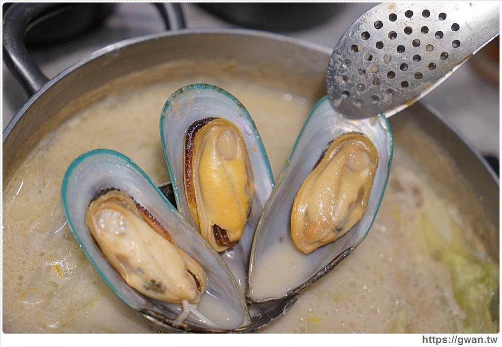 20180902020148 95 - 熱血採訪 | 宇良食巨無霸肉盤+浮誇手臂蝦,無霸三人套餐超值份量海陸通吃