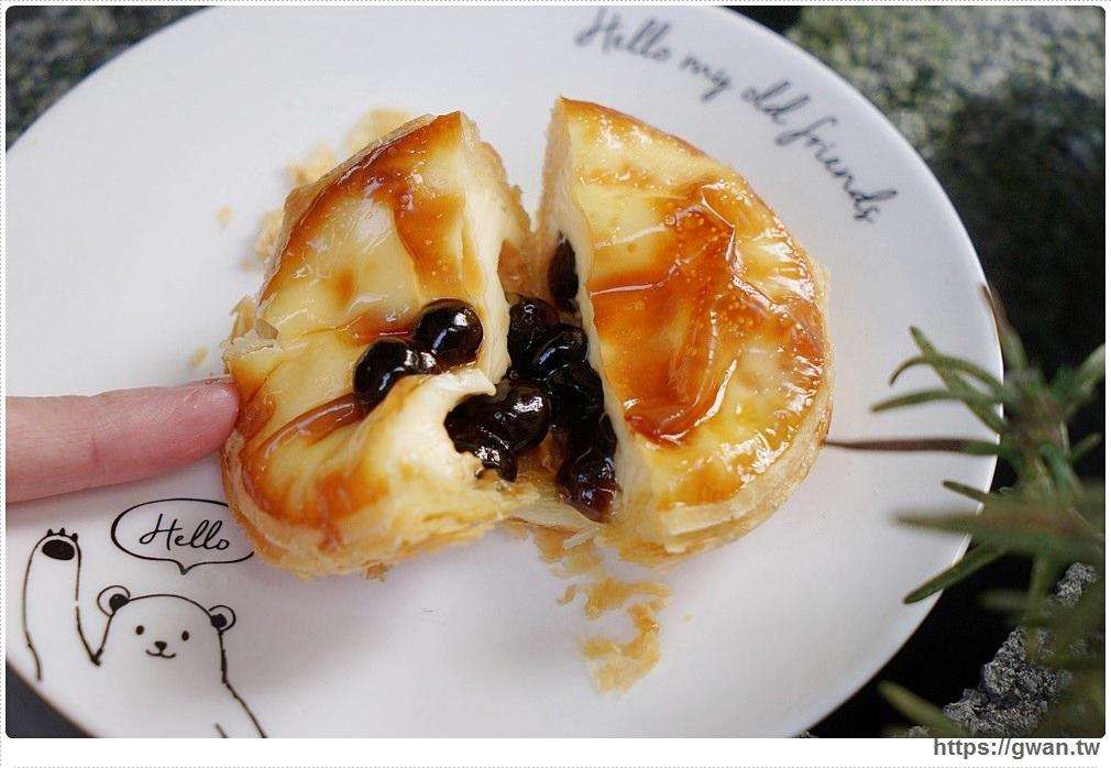 台南Mr.Z烘焙小棧葡式蛋塔 | 當天現做出爐,咬開就有波霸掉出來的酥脆蛋塔