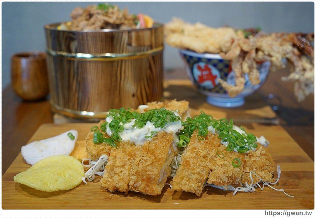20180927193903 73 - 熱血採訪 | 台中超浮誇丼飯,兩隻鮮魷讓你看不到底下白飯,牛肉片堆成小山