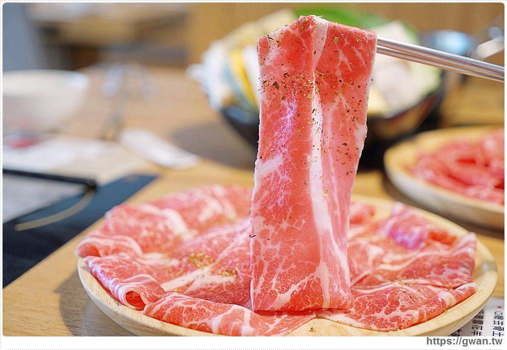 20181028115941 5 - 熱血採訪 | 養鍋東英店中午開鍋囉!!大肉哥最低49元給你加倍肉量,菜盤還可以換肉肉呦~