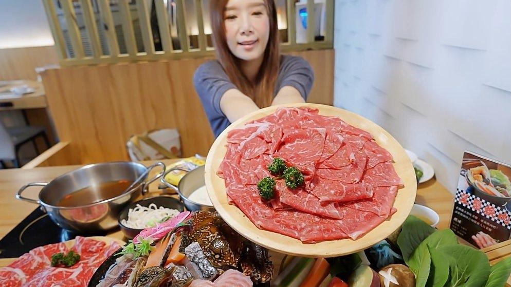養鍋東英店中午開鍋囉!!大肉哥最低49元給你加倍肉量,不收服務費、飲料喝到飽,菜盤還可以換肉肉呦~