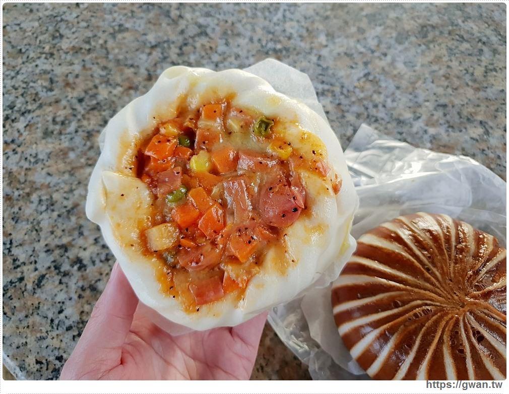 [金門美食●金城] 京采包子饅頭 | 一大早就排隊,黑珍珠、披薩包,太晚來保證買不到!!