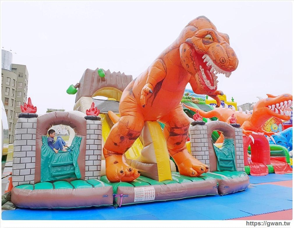 20181212192140 74 - 台中恐龍主題氣墊樂園,為期一個月,平日不限時,快帶小朋友來放電吧 ~