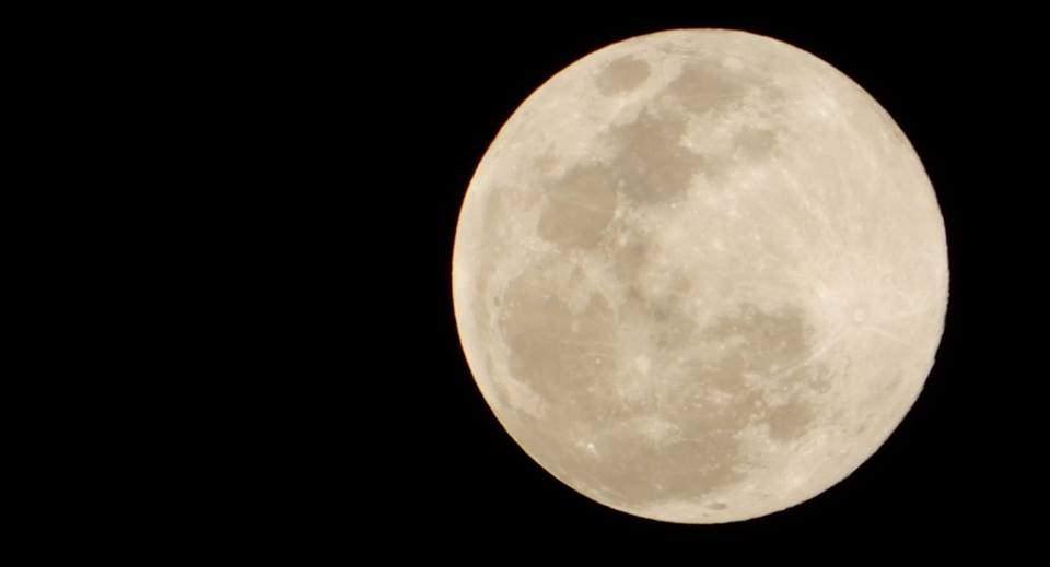就是今晚~抬頭就能看到元宵節最大滿月,錯過再等62年!!