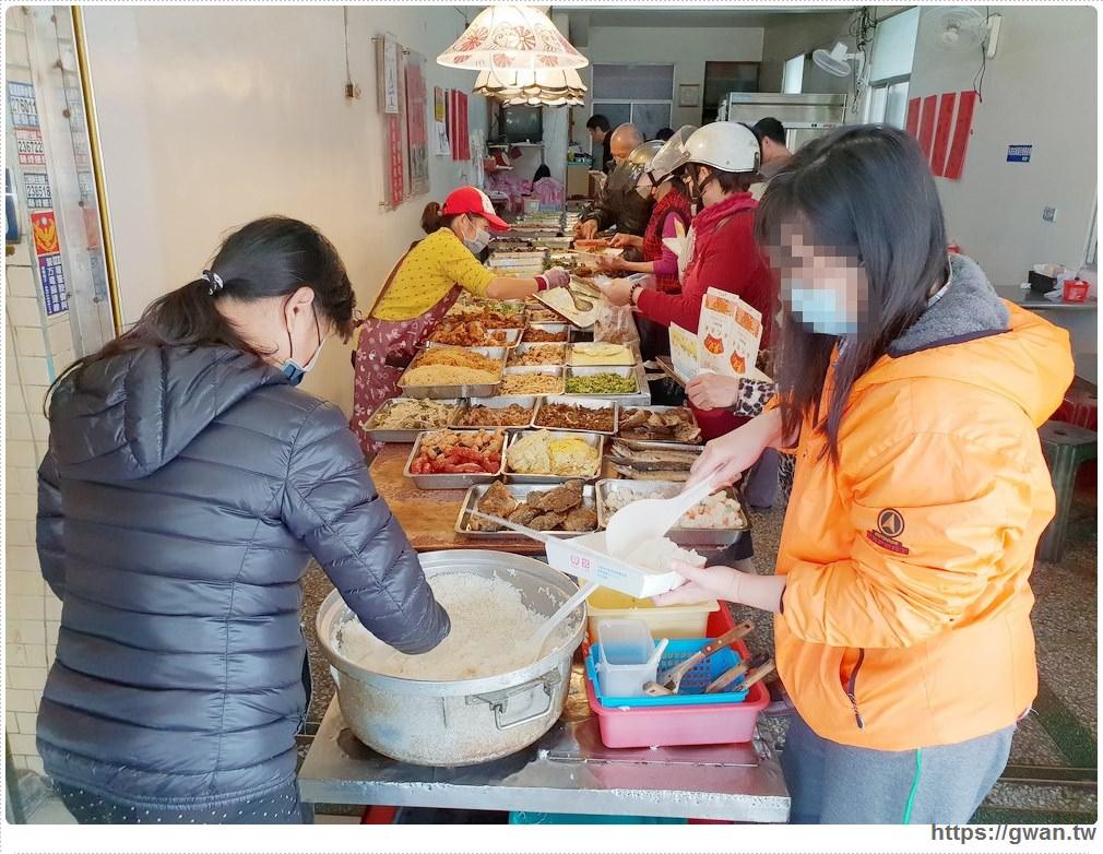百里香自助餐 | 沒有招牌一賣20多年,台南平價自助餐,便當裝到炸居然銅板價!!