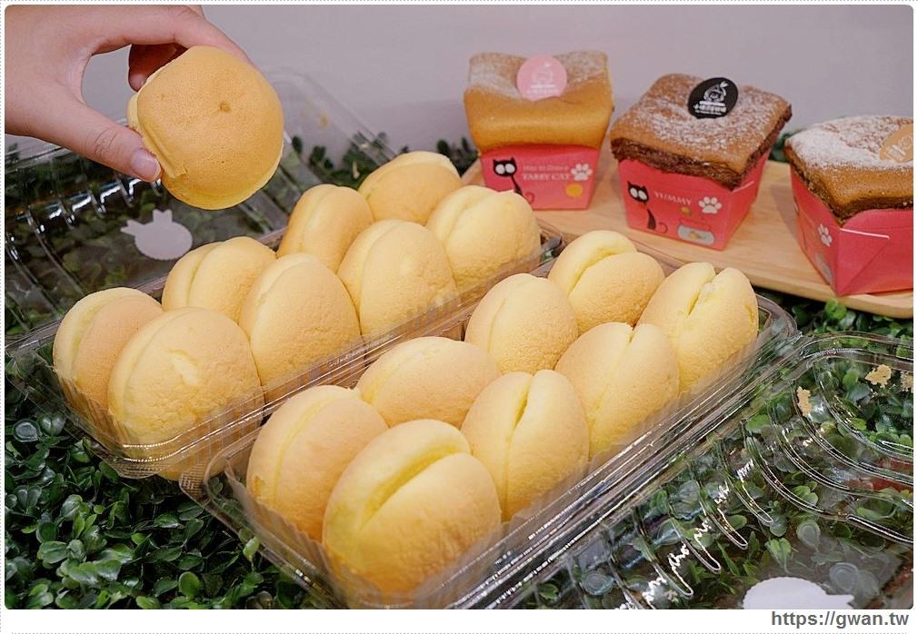 小桃園蛋糕坊 | 桃園新開幕平價甜點,蛋糕泡芙一顆10元,乳酪燒買一送一甜甜銅板價!!