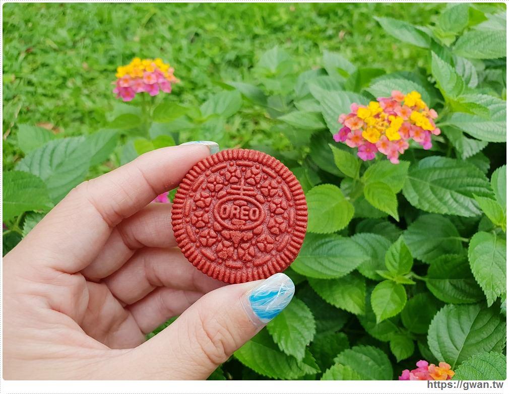20190719122251 90 - 韓國爆紅的Oreo紅絲絨蛋糕,紅棕色可可餅乾+金黃起司內餡,期間限定~台灣也能買到囉!