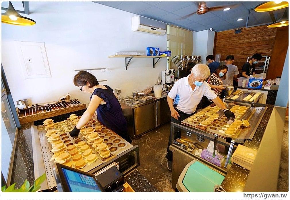 青畑九號豆製所霜淇淋開賣囉!!超過10種特殊口味,還有鹹蛋、榴槤霜淇淋,想吃還得碰運氣~