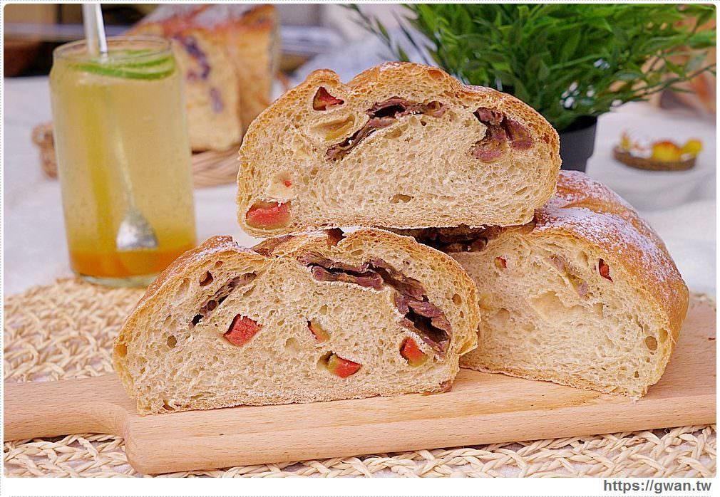 E-ma 柴燒窯烤歐式麵包 | 一周只賣四天的比臉大麵包,結合在地食材超有料,還有神秘隱藏版賣完等明年!!