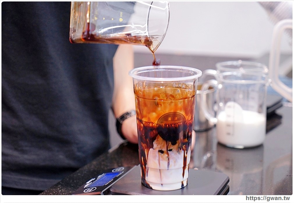 黑糖黑玉拿鐵 黑沃咖啡 台中珍奶節