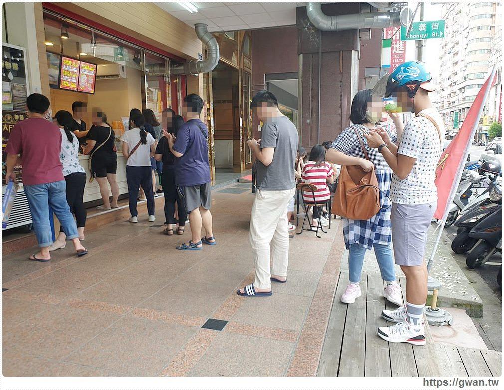 台中六星炸雞 | 全台第一間卜蜂炸雞店,皮薄爆汁,想吃起碼等一小時!