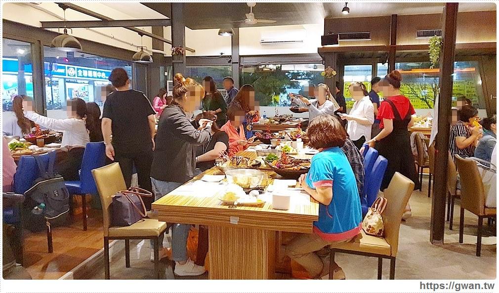 帝王蟹價格大崩盤!台中最便宜的帝王蟹套餐就在菁選涮涮鍋,10月限定~錯過等明年!
