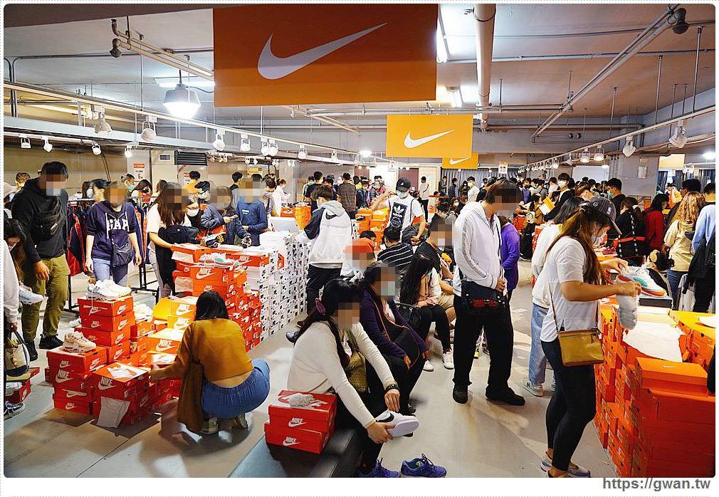 20200215141558 5 - 熱血採訪|全台獨家NIKE展示鞋清倉會在台中!人潮擠爆近200坪賣場,滿額還有星巴克買一送一