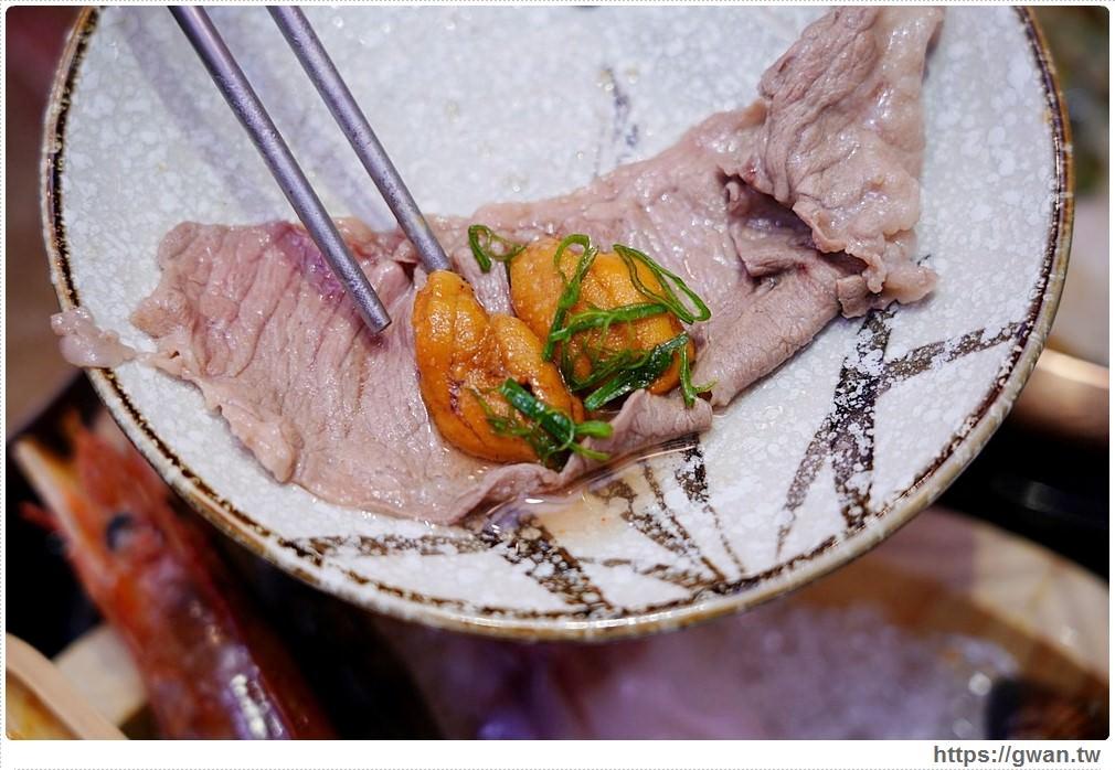 20200311013230 9 - 熱血採訪│台中海膽火鍋一鍋三吃,鮮甜美味讓人一吃就上癮,不吃菜盤還能換肉盤