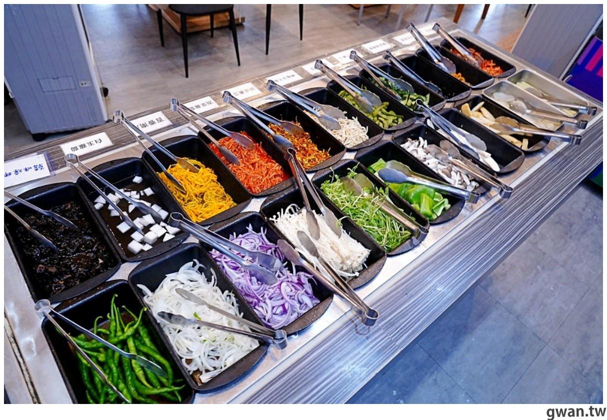 20201215213436 19 - 熱血採訪 台中韓式烤肉吃到飽!烤肉、熱湯、小菜任你吃最低只要369元,周年慶期間還免收服務費~