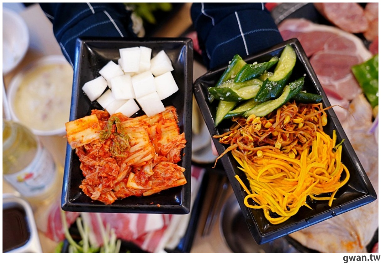 20201215213437 62 - 熱血採訪 台中韓式烤肉吃到飽!烤肉、熱湯、小菜任你吃最低只要369元,周年慶期間還免收服務費~