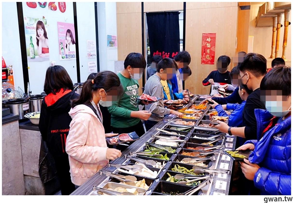 20201215213514 24 - 熱血採訪 台中韓式烤肉吃到飽!烤肉、熱湯、小菜任你吃最低只要369元,周年慶期間還免收服務費~