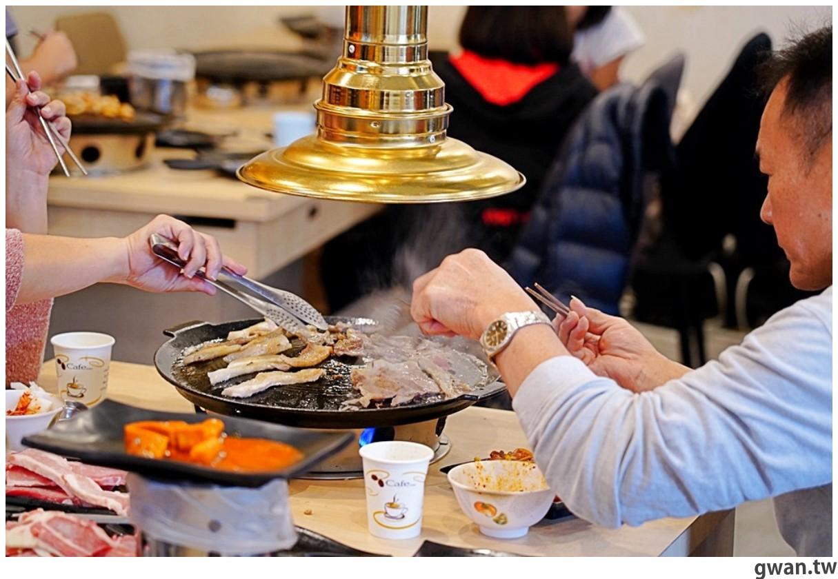 20201215213538 63 - 熱血採訪 台中韓式烤肉吃到飽!烤肉、熱湯、小菜任你吃最低只要369元,周年慶期間還免收服務費~