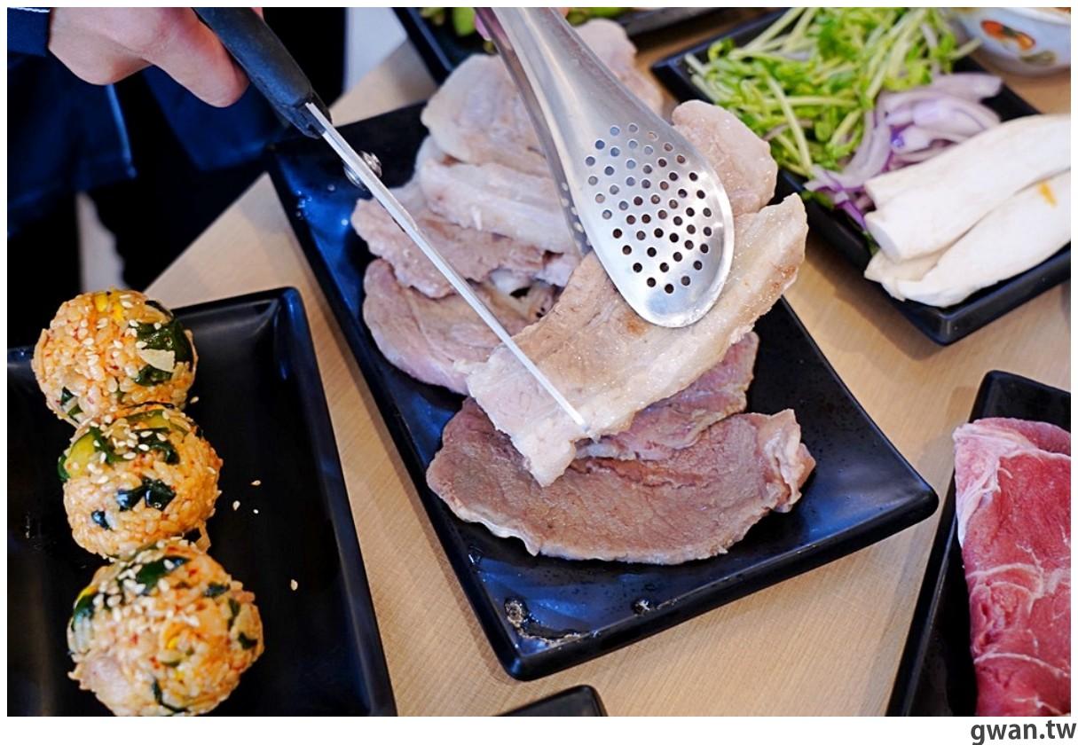 20201215213550 12 - 熱血採訪 台中韓式烤肉吃到飽!烤肉、熱湯、小菜任你吃最低只要369元,周年慶期間還免收服務費~