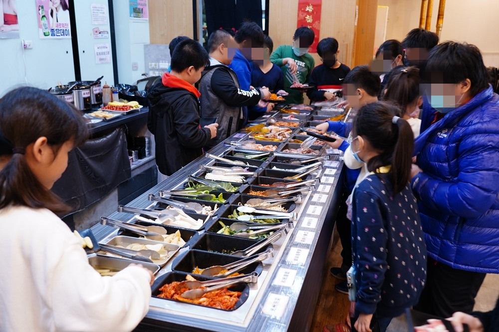 台中韓式烤肉吃到飽!肉鮮生最低只要369元,超豐盛的自助吧無限享用,谷哥2000多則好評
