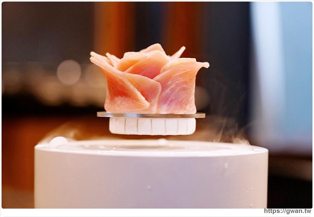 台中首見漂浮松阪豬就在千波苑鍋物,沙鹿海鮮火鍋推薦,270元起還可免費停車