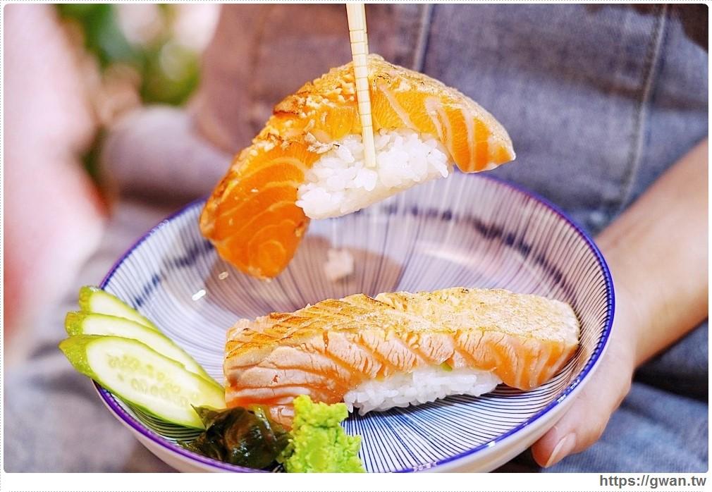 一中新開平價壽司,超厚鮭魚肚每天限量五份,味增湯只要15元!睿壽司