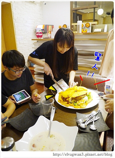 台中-一中街-雙魚二次方-創意漢堡義大利麵-造型漢堡DIY-35-887-1