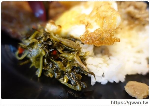 馬路益燒肉飯,澎湖美食,人氣美食,人氣小吃,在地人都吃,燒肉飯,臭豆腐,雙拼,老店,澎湖旅遊,澎湖市區有什麼好吃的-12-080-1