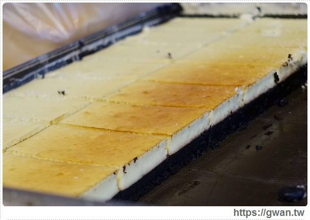 台中美食,夜市美食,馬莉娜蛋糕,俄羅斯蛋糕,夜市小吃,旱溪夜市,銅板美食,人氣美食,排隊美食,限量美食,手工蛋糕,甜點-19-252-1