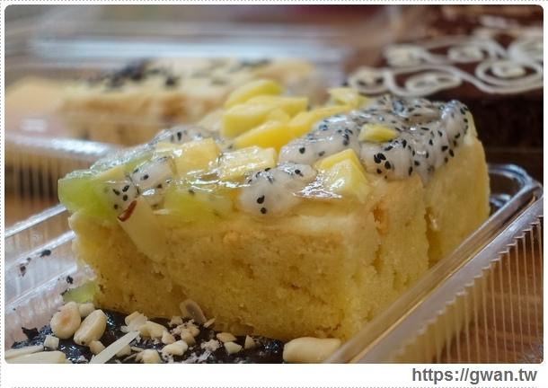 台中美食,夜市美食,馬莉娜蛋糕,俄羅斯蛋糕,夜市小吃,旱溪夜市,銅板美食,人氣美食,排隊美食,限量美食,手工蛋糕,甜點-33-388-1
