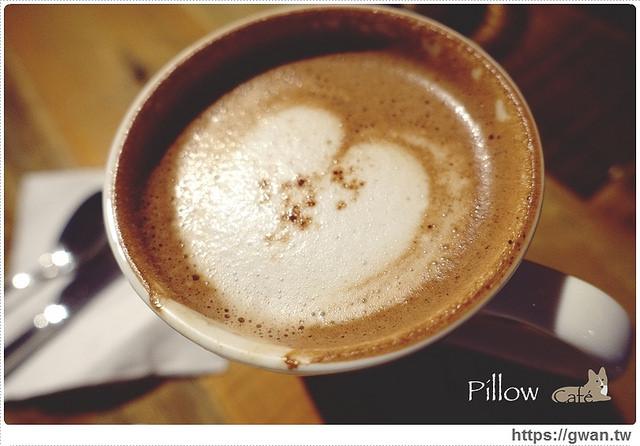 捷運美食,咖啡廳,pillow cafe,枕頭咖啡,巷弄美食,好喝的抹茶,不限時咖啡廳,寵物友善餐廳,開到很晚的咖啡廳,可看到101的餐廳,通化夜市-24-823-1