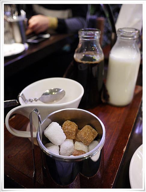 Ramen Nagi ラーメン凪拉麵:[捷運西門站] ラーメン凪(nagi) 豚骨拉麵 (同場加映:讓男生也無法抗拒的咖啡弄下午茶)