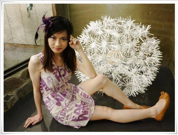 妝容分享:[妝容] 春天的腳步近了,替自己畫一個繽紛的七彩舞蝶妝吧