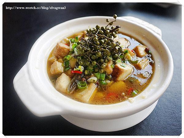 三源中華料理(ATT 4 FUN店):[東區] 三源 - 李雪川味。小籠湯包 -- 香麻的道地川菜和創意小籠包